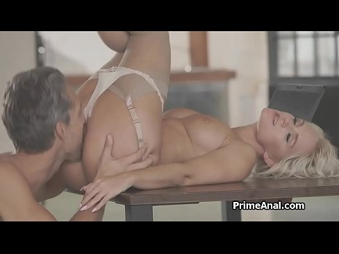 Eating out big tit blondes amazing butt and getting sucked afterwards