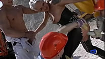 Lana Woods comes to the construction site for a good anal fuck