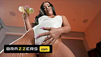 (Kristina Rose, Xander Corvus) Enjoy A Sensual Oily Massage Before Fucking Each Other - Brazzers