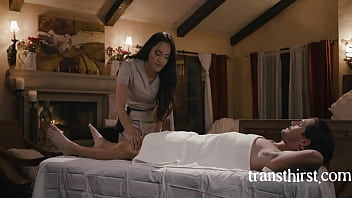 """Hot Trans Masseuse Cleans My Pipes- Tony Orlando, Jessica Foxx <span class=""""duration"""">8 min</span>"""