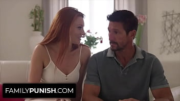 Redhead Stepdaughter Lacy Lennon Teases her Dad Tommy Gunn and he Fucks Really Good 8分钟