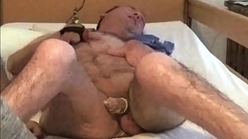 handicapped guy in gets blowjob