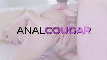 Horny Wife Summer Hart Anal Fuck Doctor after Tits Exploration