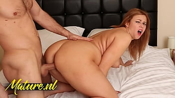 Cheating Wife Taking a Stranger Home To Fuck, While Her Boyfriend Is With Friends 11 min