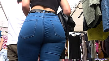 sexy candid big asses in tight jeans GLUTEUS DIVINUS