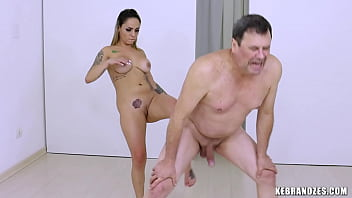 Ballbusting Audition with Barbara Alves 2分钟