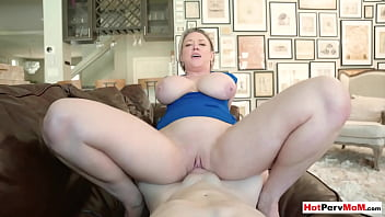 Celebrating with my big boobed mature stepmother Dee Williams 6 min