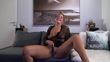 Cheating Wife With REALLY Big Pussy Lips Gets Dirty On Skype