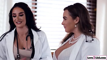 2 Busty Stepmoms Doctors Lick Stepdaughters Pussy In A 3some
