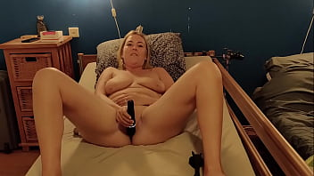 Angel Angie tests the Domi 2 and gets a huge orgasm