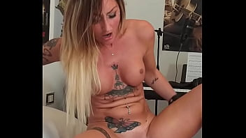 Real INSANE Squirting Female Orgasms At 2.45, 4.20, 5.15, 5.45 With EYE ROLLING (After Then, A Perfect Blowjob)  - Cell Phone Video