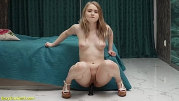 chubby stepsis toying her tight asshole