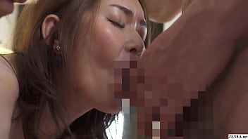 Clip sex Japanese voluptuous step-mom and daughter blowjob FFM