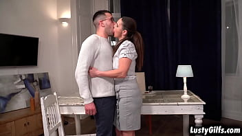 LOVELY Boss Mariana is a very generous babe who gives rewards to those who deserves it and John would be the one who will getting her PUSSY today 6 min