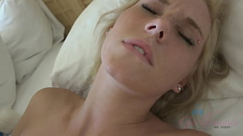 Girl next door uses hitachi magic wand on her pussy then takes cock (POV Amateur) Blonde (Ella Woods) 10 min