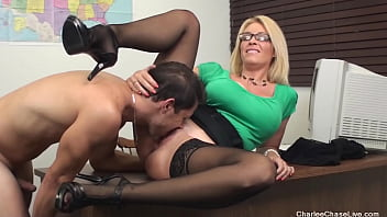 Big Boobed Professor Charlee Chase Spreads Her Legs For Her Student! 5分钟
