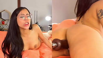 Sexy Colombian Girl Pussy is Pounded by Fuck Machine