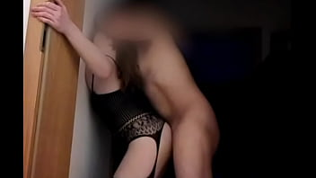 Amateur babe wants between the wall