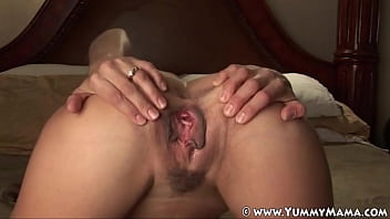 JOI MILF Mindy aka Yummy Mama Fucks herself while giving detailed directions on how to stroke your cock! Beautiful close ups of sexy meaty big pussy lips filthy talker famous for being a hotwife slut! 16 min