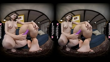 Solo brunette, Dayana is satisfying Angel Kriss, in VR 5分钟