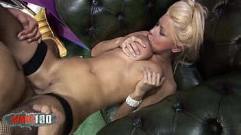 Pornstar with perfect body hard fucked by a big dick 14分钟