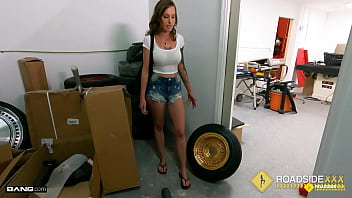 Streaming Video Roadside - Tricia Oaks Bailing Out Her BF With Her Juicy Pussy - XLXX.video