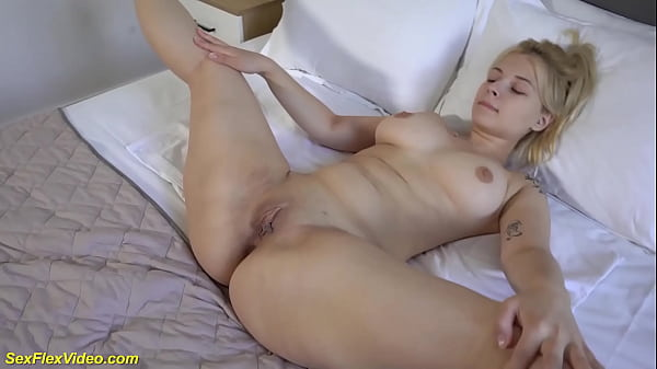 flexible curvy stepsis first time on video