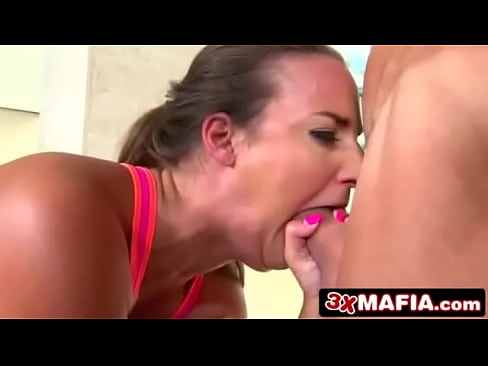 RK Prime - Squat on the dick (1)