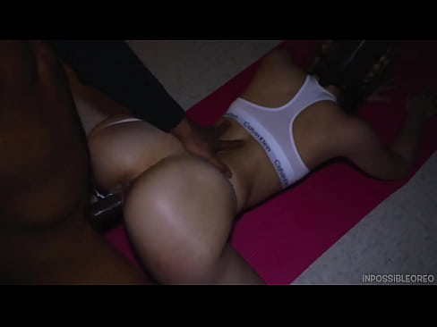 Blonde babe gets fucked by her personal trainer after workout! (interracial) - Inpossibleoreo